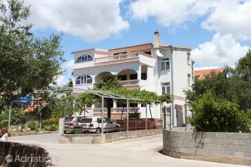 Vodice, Vodice, Объект 6452 - Апартаменты с галечным пляжем.
