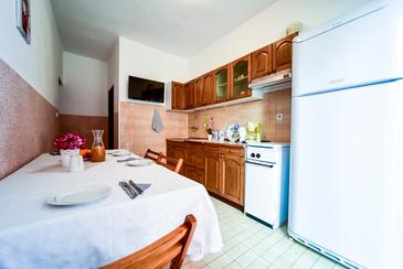 Zadar - Diklo, Dining room in the apartment, WIFI.