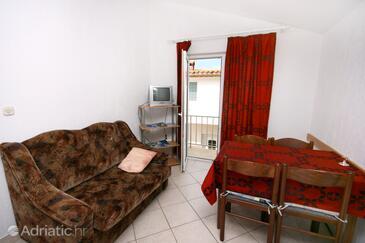 Mandre, Dining room in the apartment, dopusteni kucni ljubimci i WIFI.