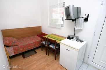 Mandre, Living room in the apartment, dopusteni kucni ljubimci i WIFI.