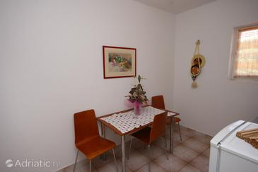 Mandre, Dining room in the apartment, dopusteni kucni ljubimci i WIFI.