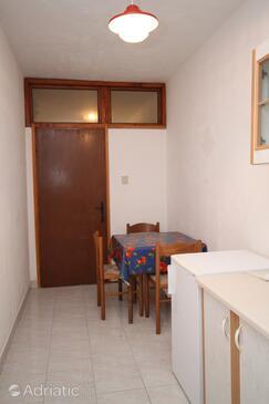 Metajna, Esszimmer in folgender Unterkunftsart apartment, WiFi.