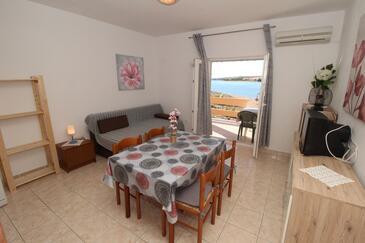 Kustići, Ebédlő szállásegység típusa apartment, légkondicionálás elérhető és WiFi .