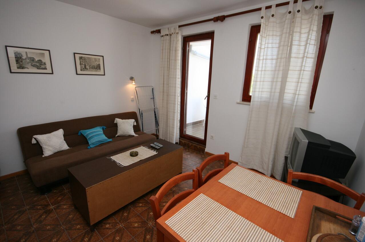 Ferienwohnung im Ort Mandre (Pag), Kapazität 2+2 (1011836), Mandre, Insel Pag, Kvarner, Kroatien, Bild 2