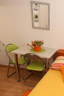 Pag, Dining room in the studio-apartment, WIFI.