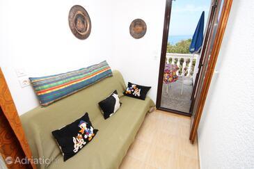Povljana, Obývacia izba v ubytovacej jednotke apartment, klimatizácia k dispozícii, domáci miláčikovia povolení a WiFi.