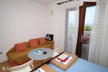 Povljana, Dining room in the studio-apartment, air condition available, (pet friendly) and WiFi.
