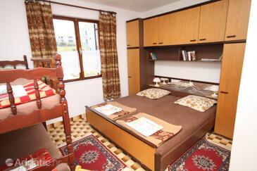 Povljana, Ložnice v ubytování typu room, domácí mazlíčci povoleni a WiFi.
