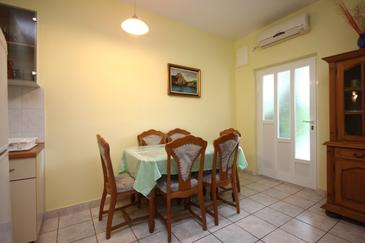 Orebić, Jadalnia w zakwaterowaniu typu apartment, dostupna klima, dopusteni kucni ljubimci i WIFI.