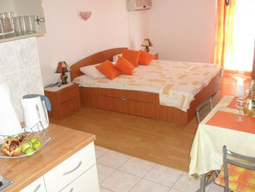 Bedroom    - AS-648-a