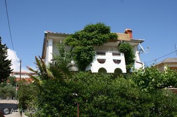 Novalja, Pag, Objekt 6483 - Ubytování s kamenitou pláží.