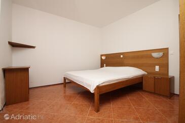 Metajna, Спальня в размещении типа room, доступный кондиционер и WiFi.
