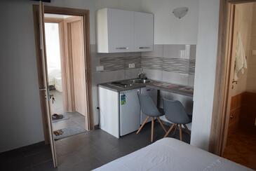 Novalja, Кухня в размещении типа studio-apartment, Домашние животные допускаются и WiFi.