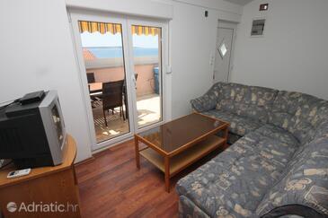 Mandre, Living room in the apartment, dostupna klima.