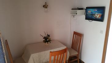 Novalja, Dining room in the apartment, WIFI.