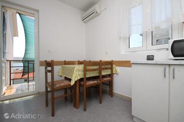 Zubovići, Jídelna v ubytování typu apartment, s klimatizací a WiFi.