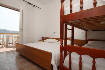 Metajna, Sypialnia 1 w zakwaterowaniu typu room, dostupna klima.