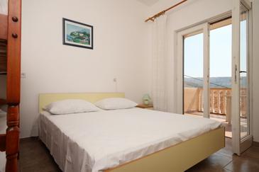 Metajna, Sypialnia w zakwaterowaniu typu room, dostupna klima.