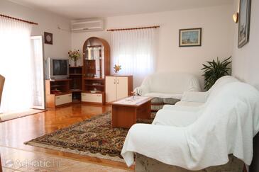 Vlašići, Wohnzimmer in folgender Unterkunftsart apartment, Klimaanlage vorhanden und WiFi.