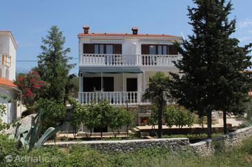 Novalja, Pag, Объект 6524 - Апартаменты с галечным пляжем.