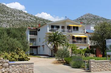 Starigrad, Paklenica, Property 6527 - Apartments with pebble beach.