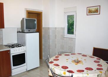 Seline, Jedáleň v ubytovacej jednotke apartment, WiFi.