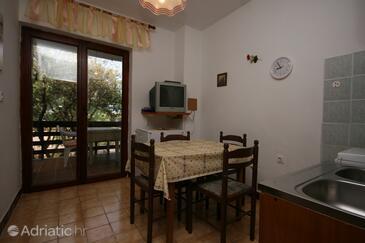 Mandre, Blagovaonica u smještaju tipa apartment, kućni ljubimci dozvoljeni i WiFi.