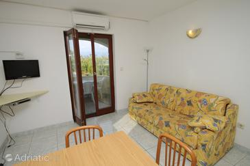 Nin, Living room in the apartment, dostupna klima i WIFI.