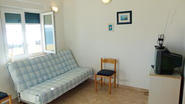 Kozjača, Living room in the apartment, dostupna klima i WIFI.
