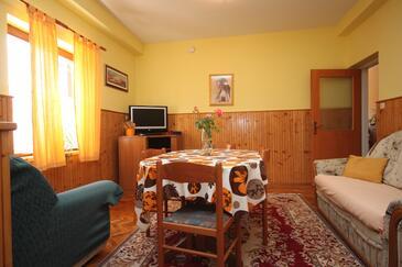 Maslenica, Jídelna 1 v ubytování typu apartment, dostupna klima i WIFI.