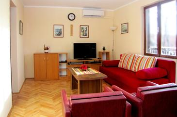 Maslenica, Living room in the apartment, dostupna klima.