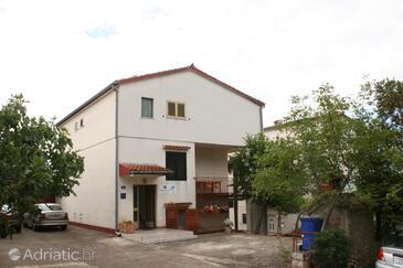 Starigrad, Paklenica, Objekt 6579 - Ubytování v blízkosti moře s oblázkovou pláží.