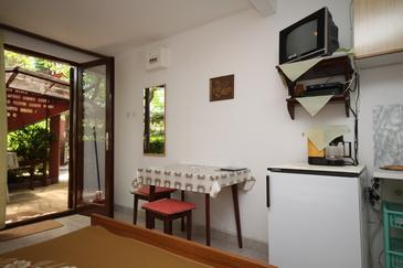 Starigrad, Dining room in the studio-apartment, WIFI.