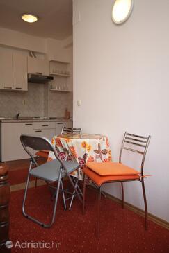 Starigrad, Dining room in the studio-apartment, WIFI.