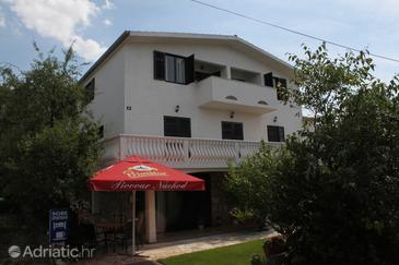 Starigrad, Paklenica, Property 6588 - Apartments and Rooms by the sea.