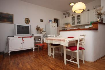 Maslenica, Dining room in the studio-apartment.