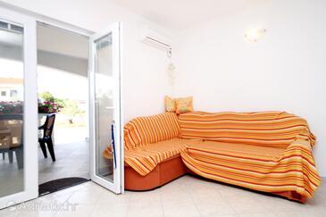 Seline, Obývací pokoj v ubytování typu apartment, s klimatizací a WiFi.