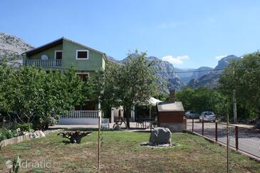 Starigrad, Paklenica, Объект 6606 - Апартаменты и комнаты с галечным пляжем.