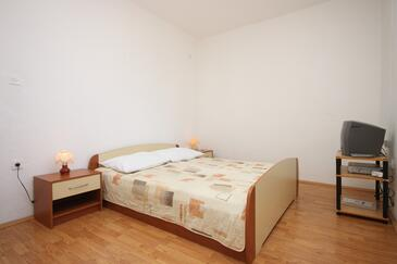 Starigrad, Ložnice v ubytování typu room, s klimatizací a WiFi.