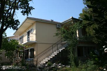 Starigrad, Paklenica, Property 6609 - Apartments by the sea.