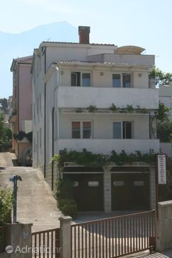 Baška Voda, Makarska, Property 6612 - Apartments with pebble beach.