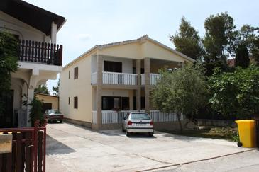 Vrsi - Mulo, Zadar, Property 6615 - Apartments with pebble beach.