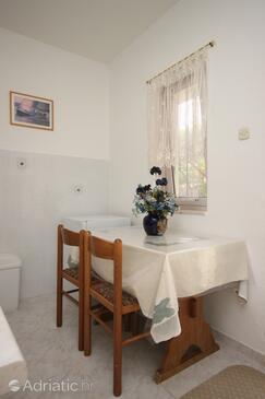 Posedarje, Dining room in the apartment, dopusteni kucni ljubimci i WIFI.