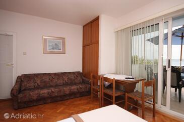 Posedarje, Dining room in the studio-apartment, dopusteni kucni ljubimci i WIFI.