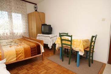 Starigrad, Jadalnia w zakwaterowaniu typu studio-apartment, dopusteni kucni ljubimci i WIFI.