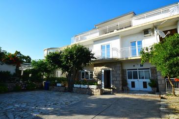 Starigrad, Paklenica, Property 6624 - Apartments by the sea.