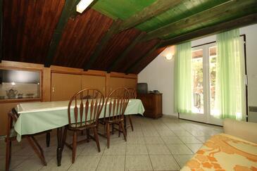 Starigrad, Jadalnia w zakwaterowaniu typu apartment, dostupna klima, dopusteni kucni ljubimci i WIFI.