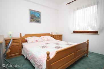 Starigrad, Bedroom in the room.