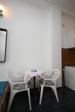 Starigrad, Jedáleň v ubytovacej jednotke studio-apartment, WiFi.