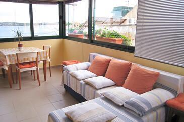 Šibenik, Obývací pokoj 1 v ubytování typu house, s klimatizací a WiFi.